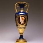 Vase-fuseau-au-portrait-de-Jules-César. Copyright RMN -château de Fontainebleau